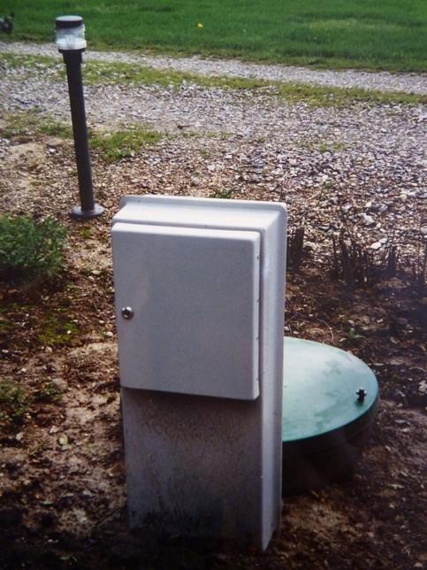 Pumpestation med installationsskab